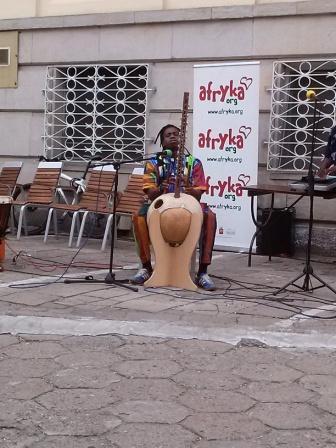 Buba podczas koncertu z okazji Dnia Afryki 2014