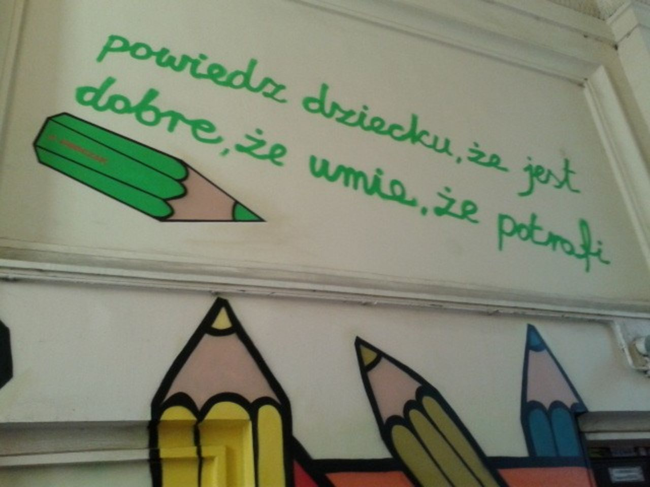 Mural a Janusz Korczak en Muranów